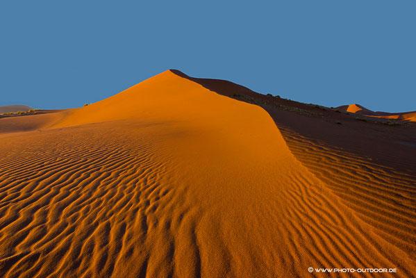 Namibdüne im ersten Morgenlicht