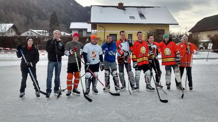 Eishockeymatch FF Hall vs. FF Zell-Gurnitz