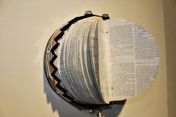 BOOKS SANTI FLORES SCULPTURE