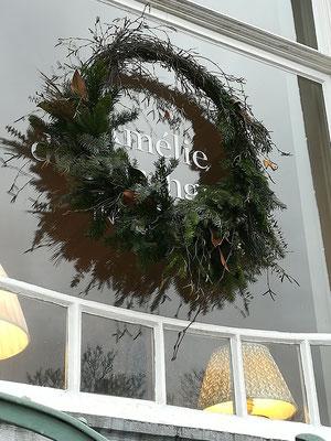 Kerstkrans, kerstdecoratie voor Amélie de Borchgrave, binnenhuisdecoaratie