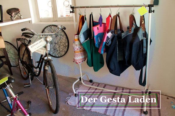 Im Gesta Laden bei Gesta e.V in Damm (Aschaffenburg) finden Sie allerlei. Verschiedene Upcycling-Produkte sind auch im Online-Shop verfügbar.