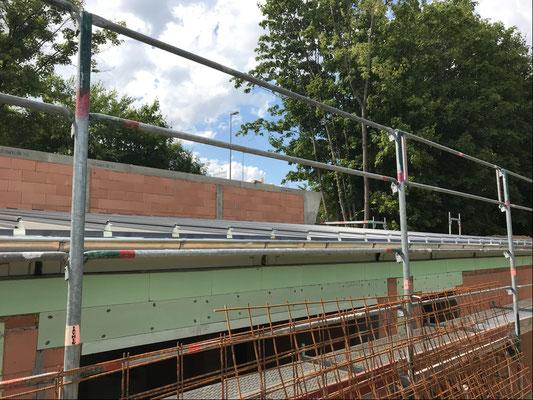 31.07.2018 - Das Dach über dem Sortierraum und Lager