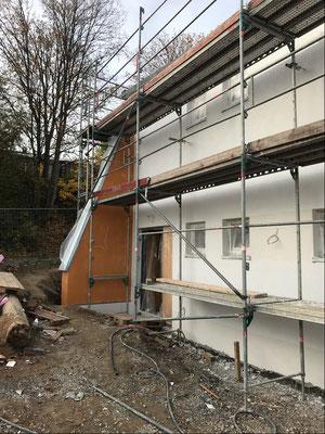 06.11.2018 - Die Fassade ist fast fertig.