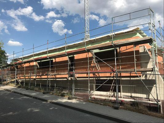 31.07.2018 - Das Gebäude ist von oben zu.