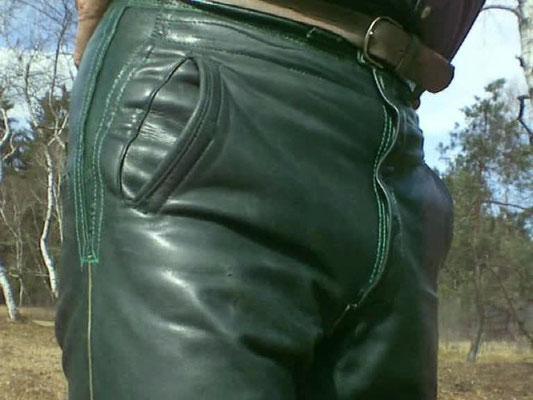 Dunkelgrün · knielang · Bund 72 cm · Erweitert auf 78 cm · snapshot-20100330-16