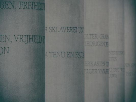 Straße der Menschenrechte vor dem Germanischen Nationalmuseum Nürnberg