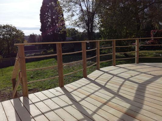 Terrasse sur pilotis et rambardes bois et cordes Rosières