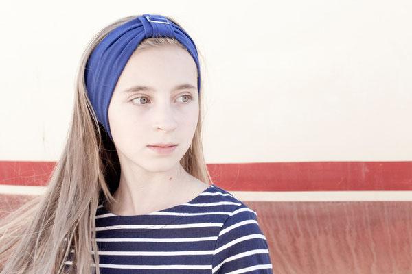 Stirnband Ciao Bella blau von Silvia Bundschuh Hutdesign, Hamburg