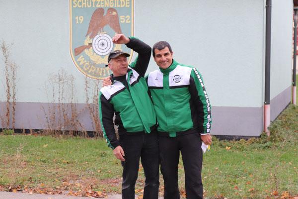 """Christoph Wuzel und Matthias Raab sind heute nicht nur Trainer, sondern als """"Kampfrichter"""" auch für den Ablauf zuständig"""