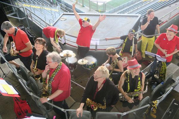 """Ein Ball - eine Welt  Dortmund, 05.06.2016, Interkulturelles Stadionfest """"Ein Ball - eine Welt!"""" im Signal Iduna Park.  """"Nachweis Paul Ehrlich Berufskolleg / Fotografin: Claudia Hoster"""""""