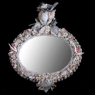 """Miroir """"Demezelle Bigorneaux"""" ( H 00 cm X L 00 cm ) Nidpie Créations."""