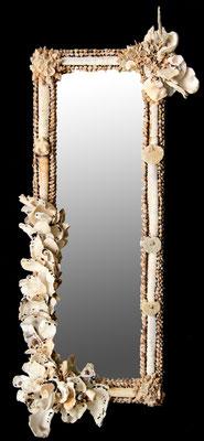 Miroir magique au mur N°2 ( H 87 cm X L 40 cm) Nidpie Créations.