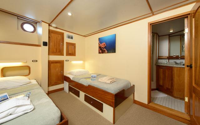 Cabinas con dos camas del barco 'Seahunter' en la Isla del Coco, ©Underseahunter Group