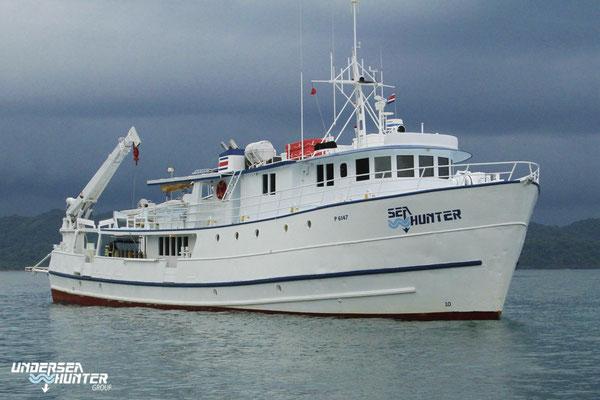 Schiff Seahunter auf der Kokosinseln, ©Underseahunter Group