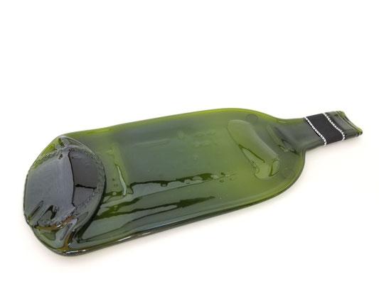 Bouteille de vin verte aplatie pour mettre fromages, raisins, pâtés, cuillère à soupe...17$
