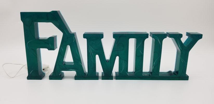 Family en résinte illuminé turquoise 30$