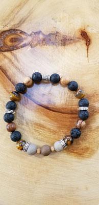 Bracelet avec billes de bois, volcaniques et pierres semi-précieuses 20$