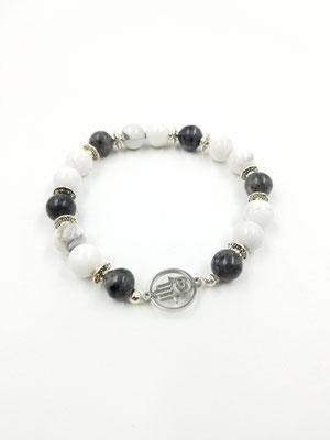 Bracelet avec pierres semies-précieuses et main en aciet inoxydable 18$
