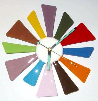Horloge en verres fusionnés pour une cliente