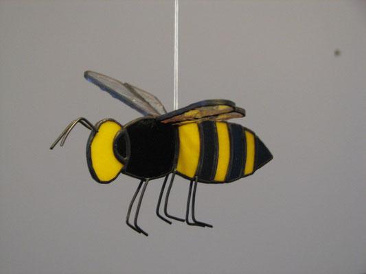 20 abeilles pour suspendre au plafond pour une miellerie