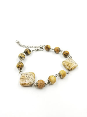 Bracelet avec fil de métal et ierres semies-precieuses 17$