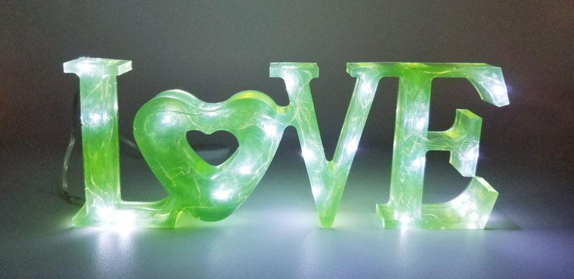 Love éclairé vert pâle 25$