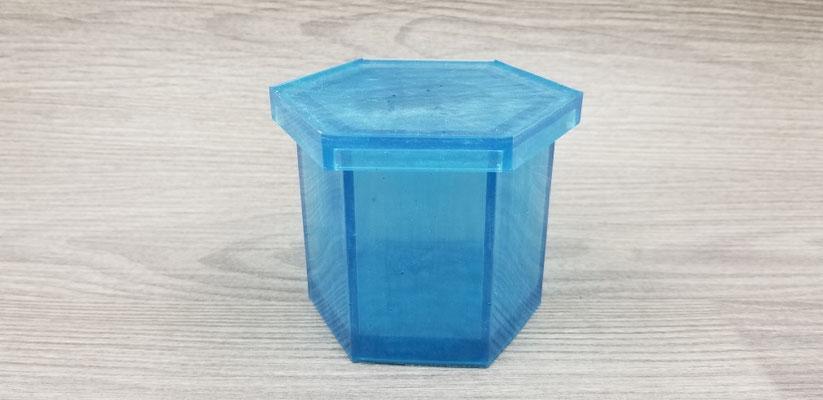Contenant de rangement en résine bleu argenté avec couvercle pouvant servir de sous-verre 20$
