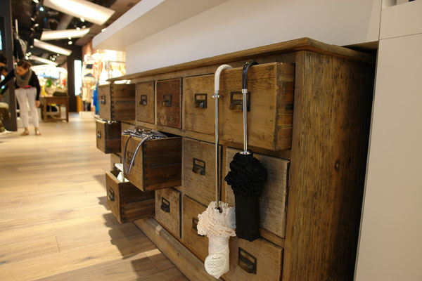 alte Möbel integriert in die neue Schreinerarbeit