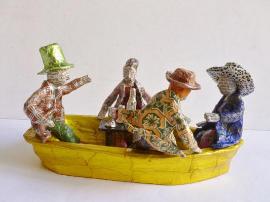 Boat party, Papermaché, 13 cm H, 23 cm L, 12,5 cm D (Heike Roesner/2017)