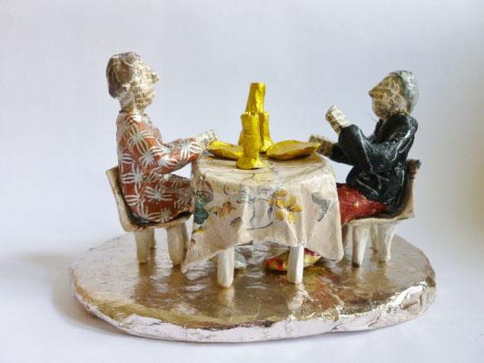 Golden Supper, Papermaché, 11 cm H, 17,5 cm L, 12 cm D (Heike Roesner/2016)