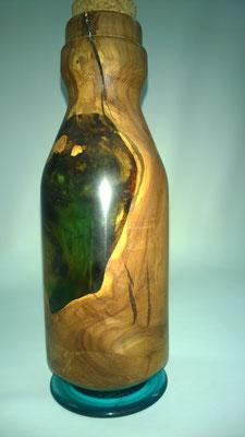 Dekoflasche aus Apfelbaum- Wurzelstock und Epoxidharz, Höhe ca. 25cm