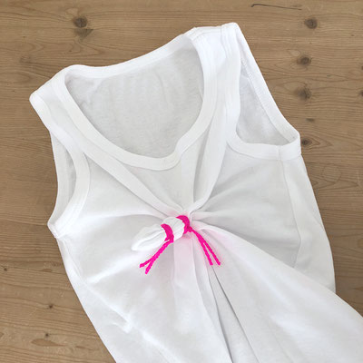 T-Shirt abbinden