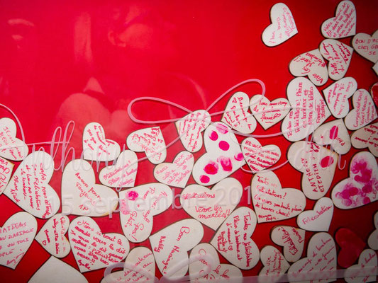 Livre d'or en bois et plexi avec coeur pour les messages