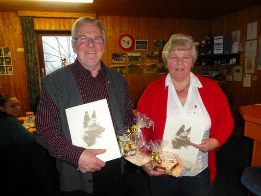 Anke und Karl-Heinz wurden für 30 Jahre Vorstandsarbeit geehrt.