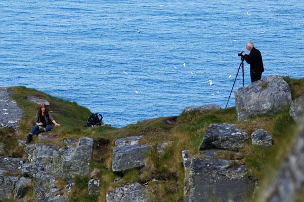 Schon von weiten sind die Fotografen und Ornithologen zu sehen.