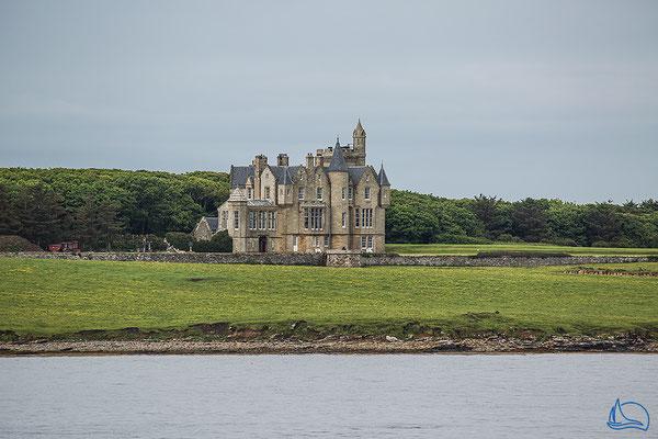 Herrenhaus an der Küste von Mainland