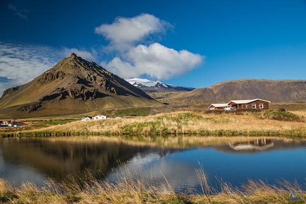 Der Blick auf den Berg Stapafell aus verschiedenen Perspektiven.