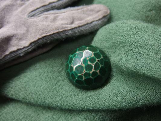 鎌倉彫ブローチ 刀痕 丸