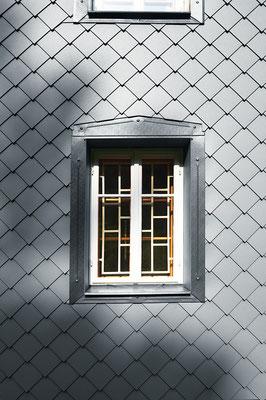 Detail Wandraute 29 x 29 hellgrau, Einfamilienhaus, Foto © PREFA / Croce & Wir