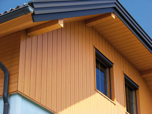 Detail Fassadensystem Sidings Holz hell, Sanierung Bauernhof, Foto © PREFA / Andi Bruckner
