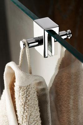 HSK Doppelhaken für rahmenlose und teilgerahmte Duschabtrennungen mit 6-8 mm Glasstärke, Foto © HSK