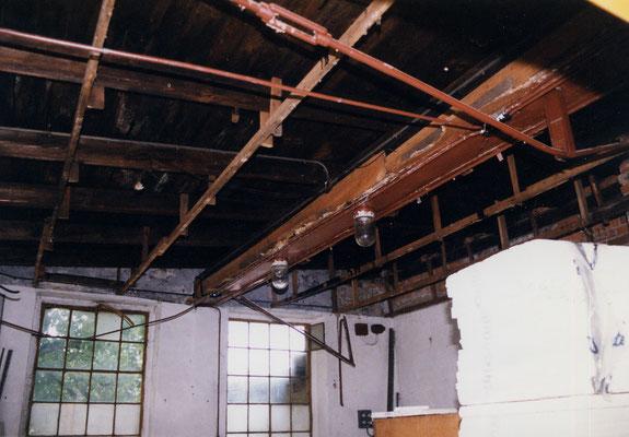 Die ehemalige Werkstatt meines Großvaters sollte zum Herzstück unseres noch kleinen Handwerksbetriebes werden. Foto © privat