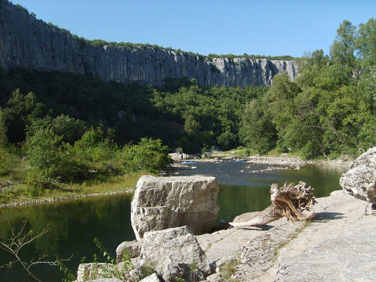 Ardèche - Site d'escalade à Chauzon