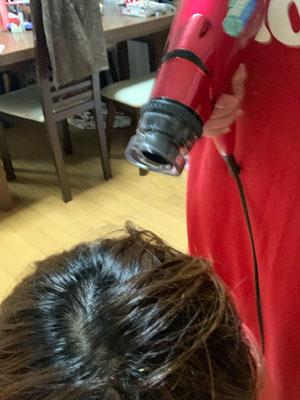 髪を乾かしてくれる長女♡♡