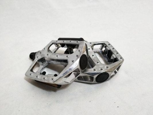 --#pedal 1/2 aluminio BMX Cromado c/reflejante $215 MXN