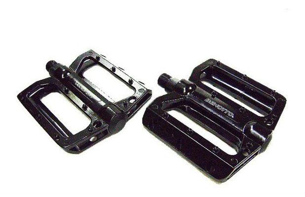 --#Pedal MTB 9/16 Aluminio Negro NWL-393L S/Reflej. BENOTTO $280 MXN PEDBTT0929