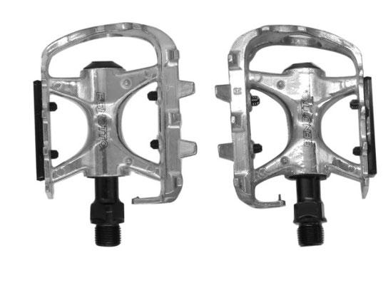 --+Pedal Benotto LWL-935 9/16 con Reflejante Aluminio Plata $ 215 MXN NPPEDBTT0853