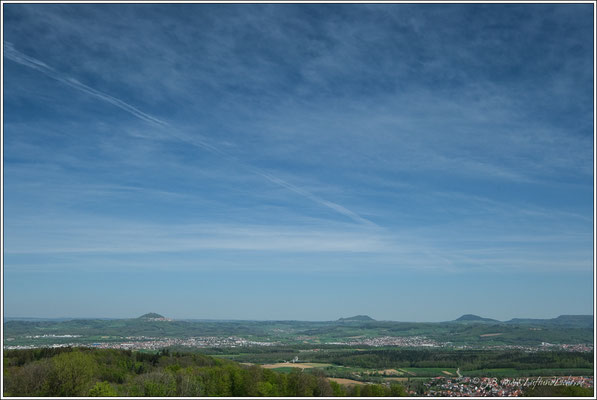 Blick Richtung Kaiserberge, von links nach rechts Hohenstaufen, Rechberg und Stuifen