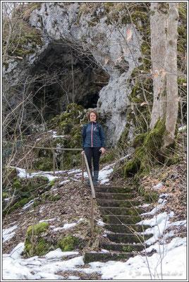 """""""Käthra Kuche"""", diese Höhle war bis Anfang des 19. Jahrhunderts von einer gewissen Katharina Schunter bewohnt"""