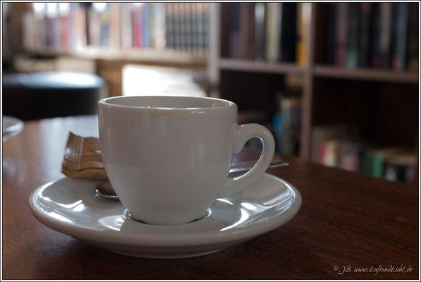 Espresso im Literatur Café